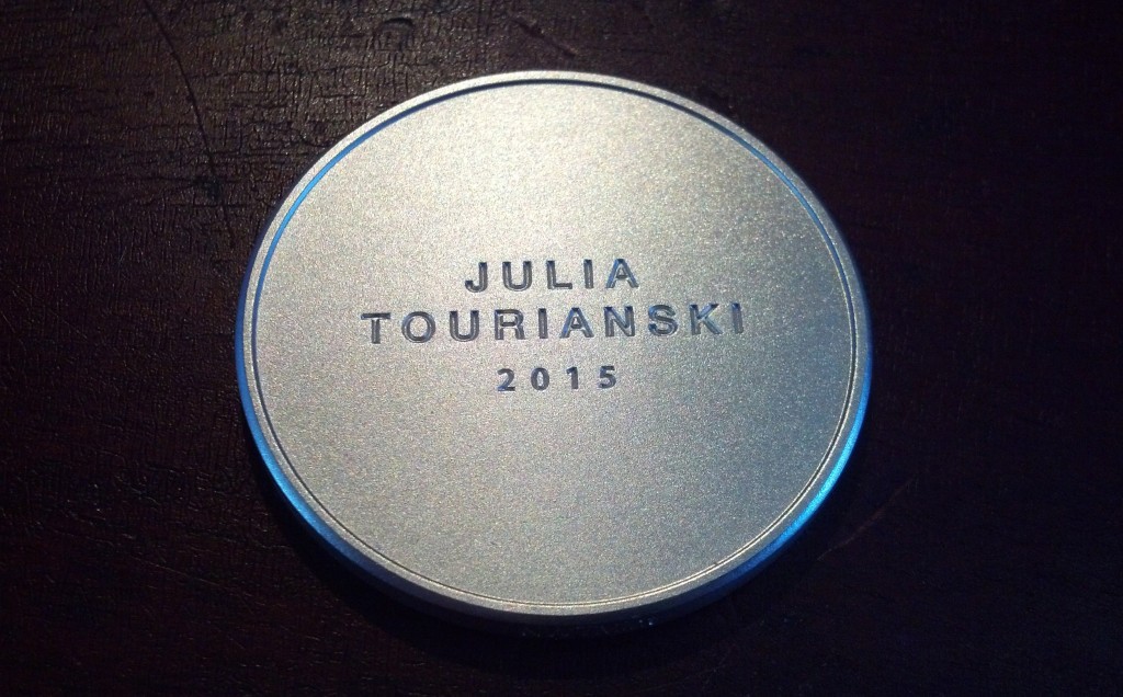 Kialara_Signature_medallion_Tourianski